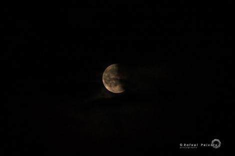Lua vermelha